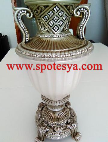 65 senelik bir vazo