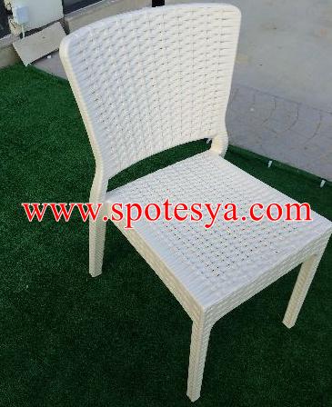 Bembeyaz cafe sandalyesi